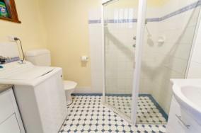 Clydes's Cottage – Bathroom