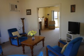 Kybunga Lounge room
